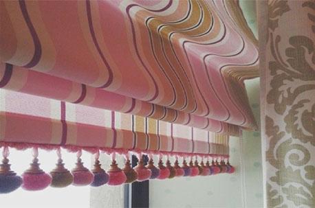 Как насчет стильных римских штор в вашем доме?